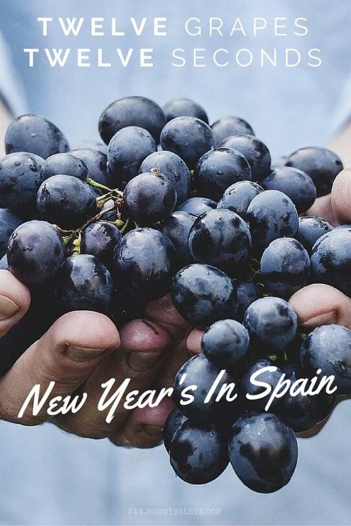 How many seconds does it take you to eat twelve grapes? Discover one of the best New Year's Eve traditions from Spain!